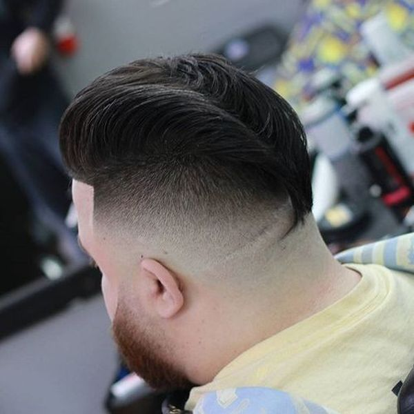 Cool hairstyles for men with thick straight hair 3