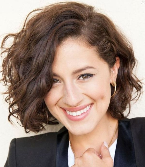 Cool short wavy haircuts for women 1