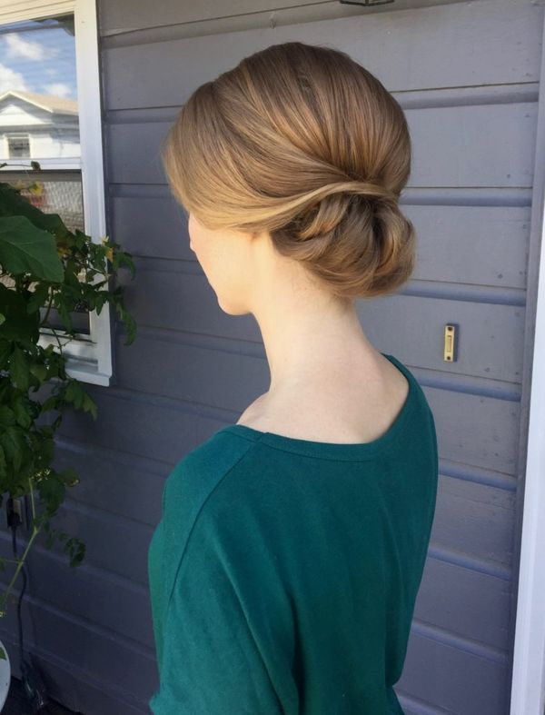 Cute sleek prom hairstyles for long hair 5
