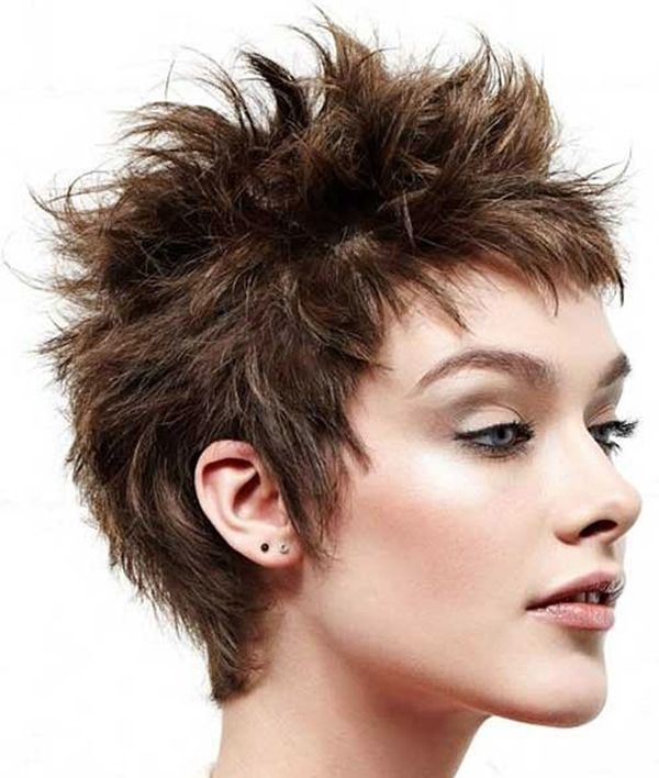 Eyecatching Short Spiky Haircuts for Women 1