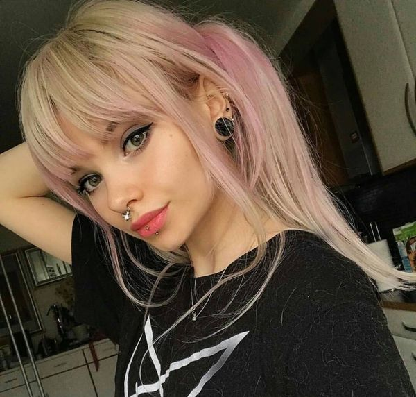 Female hairstyles with emo fringe 2