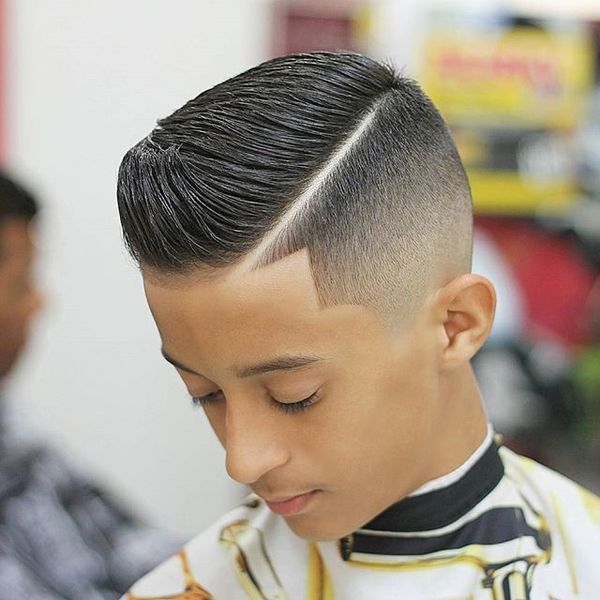 Hard line haircut for men with short hair 1