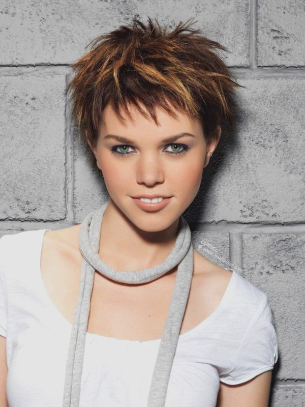 Modern Short Spiky Hairstyles for Girls 2
