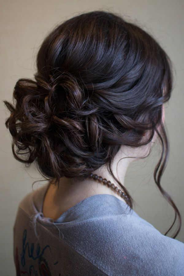 Stylish curled updos for proms 3