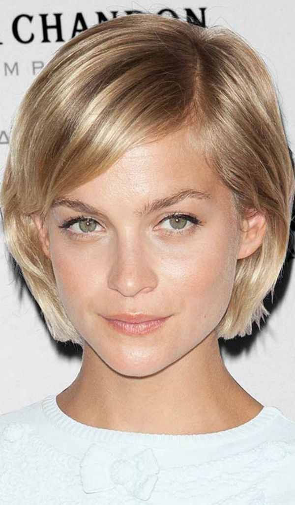 short straight hairstyles women