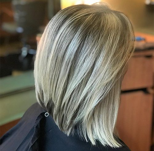 Shaggy-Haircut-Styles-2020-for-Women- Blonde Curved Bob