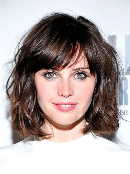 short hairstyles for women-Wavy Bob with Side Bangs