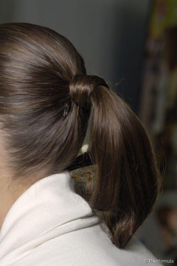 Medium Ponytail Hairstyle For Brides