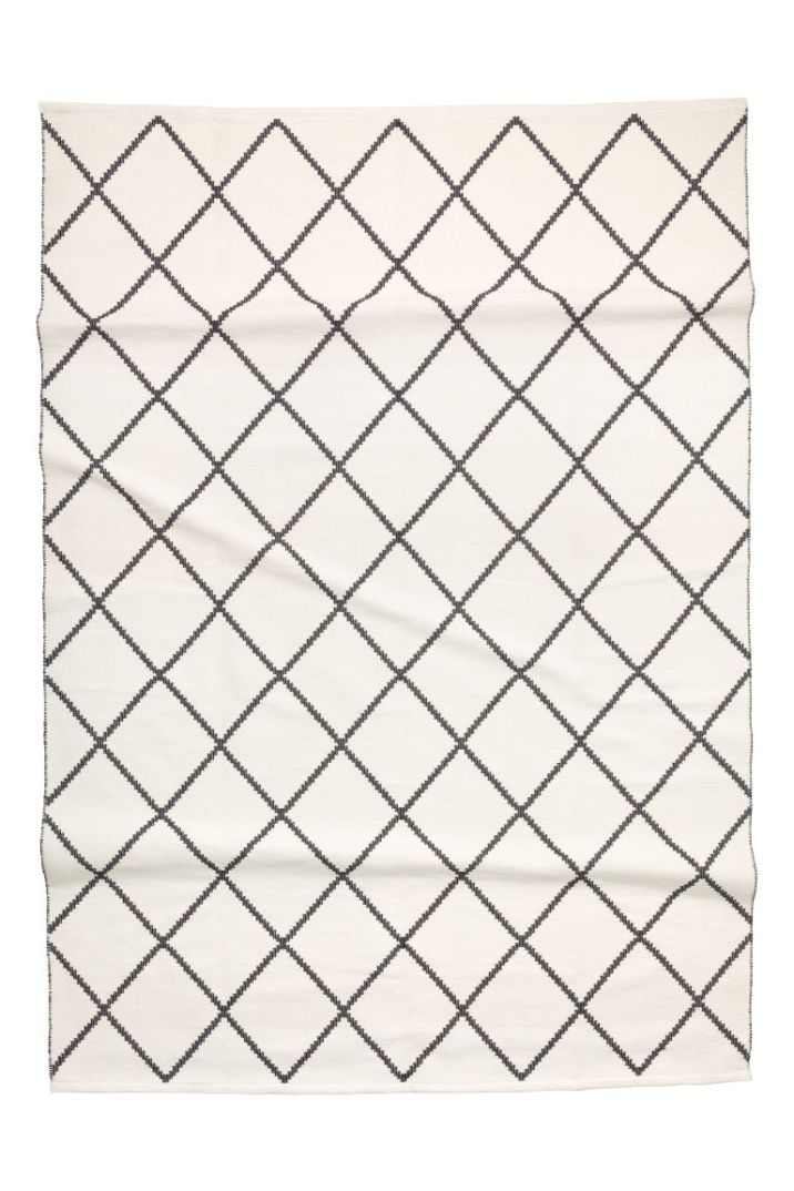 Black and white Jaquard Rug from H&M