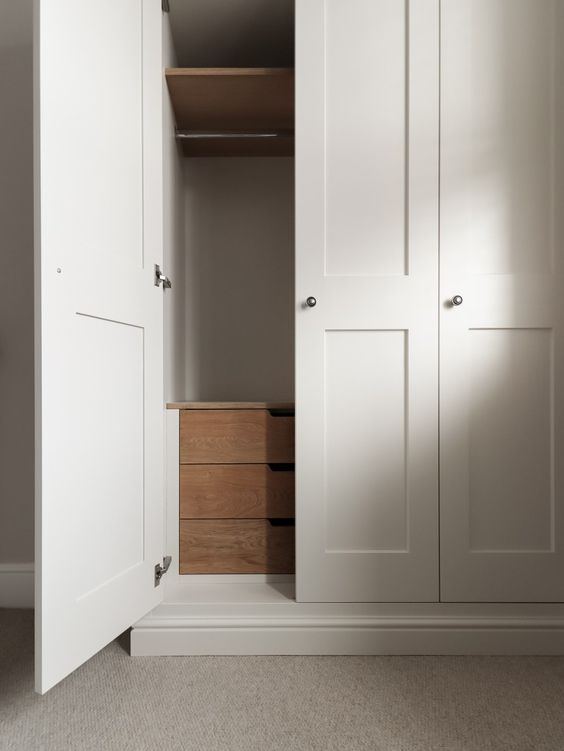 drawers_in_wardrobe