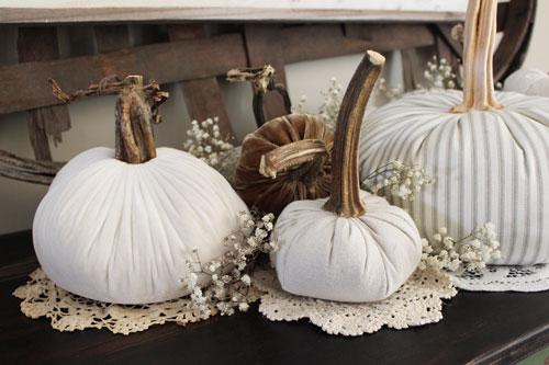 Fabric-Pumpkins-Doilies-and-Babies-Breath_H5