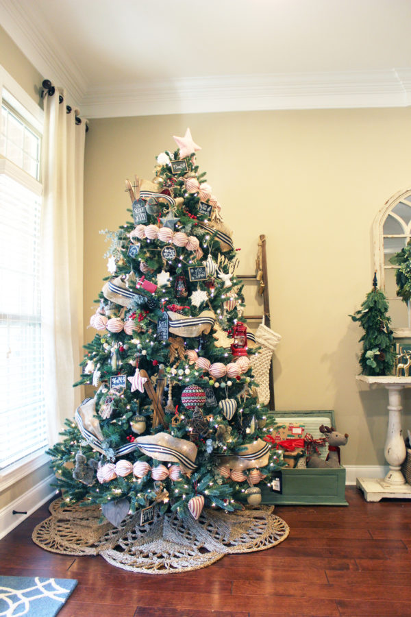 Traditional Rustic Christmas Decor - The Hamby Home