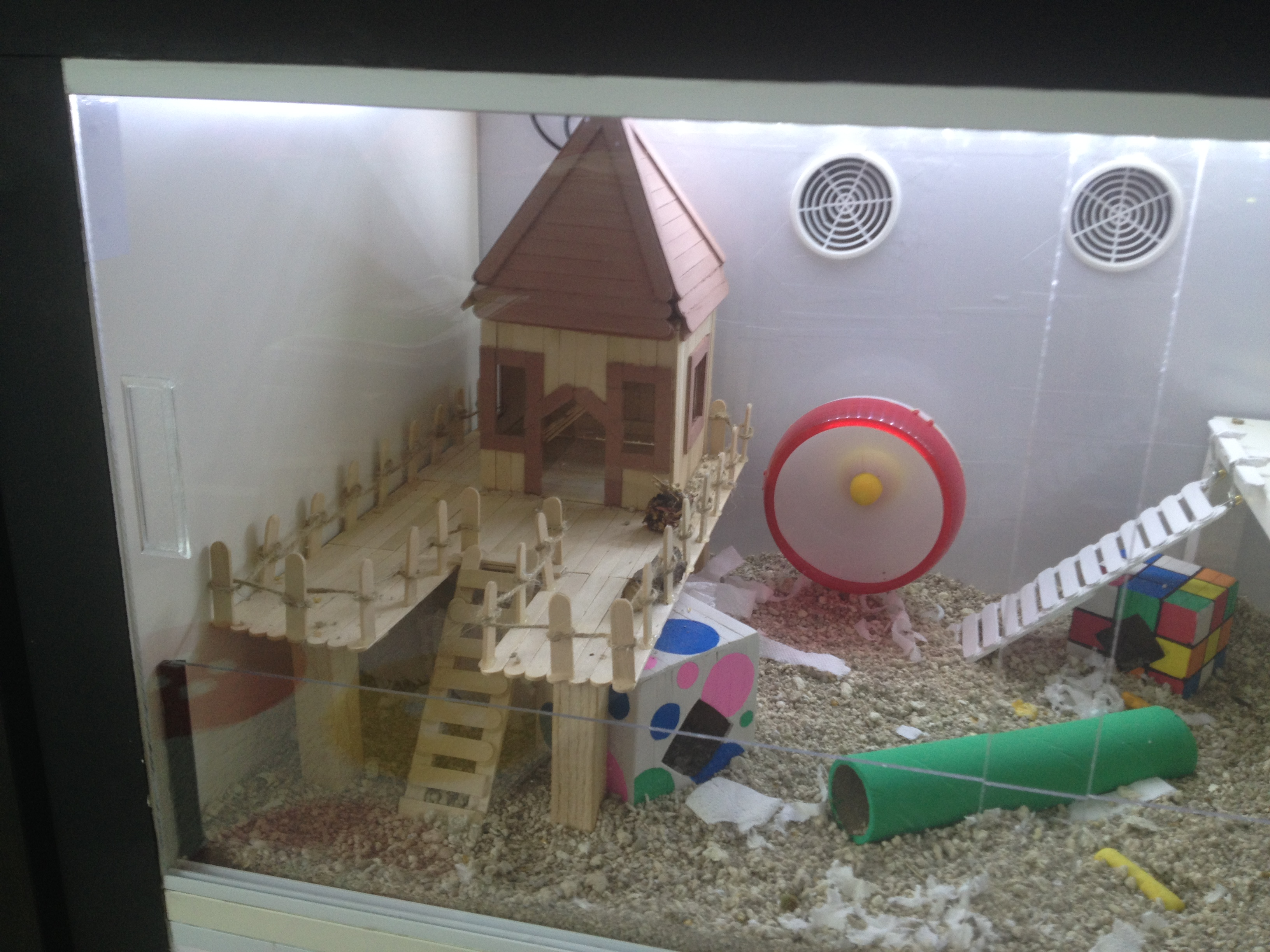 Make an amazing ikea hamster cage the hamster hut for Ikea hamster cage