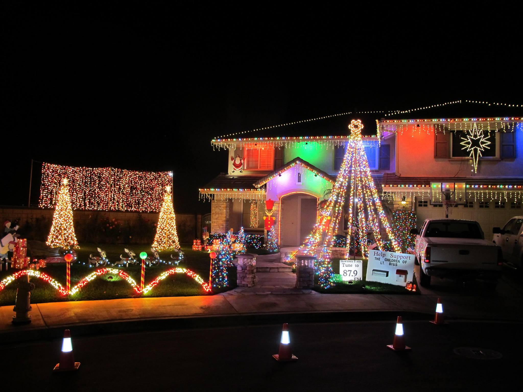 Christmas Lights Display In Chino Ca Decoratingspecial Com