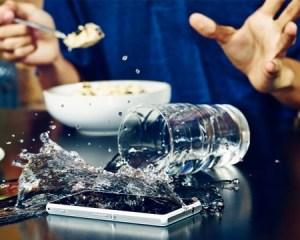 Dile adiós a los celulares ahogados con el nuevo Sony Xperia Z1 Compact