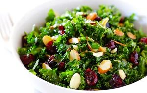 Aprende a preparar una ensalada de Kale