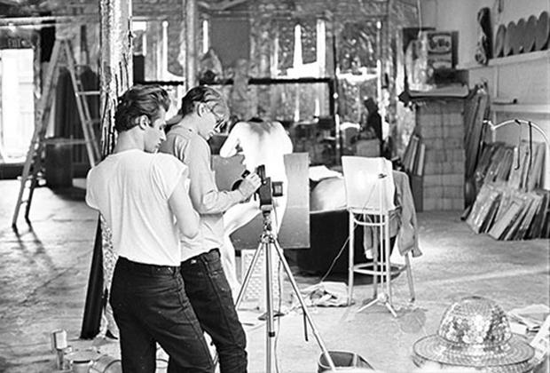 10 famosos artistas en su estudio creativo - Studio-Andy-Warhol