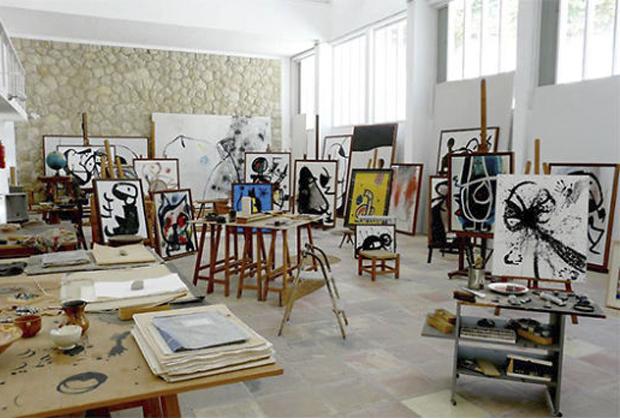 10 famosos artistas en su estudio creativo - Studio-Joan-Miro