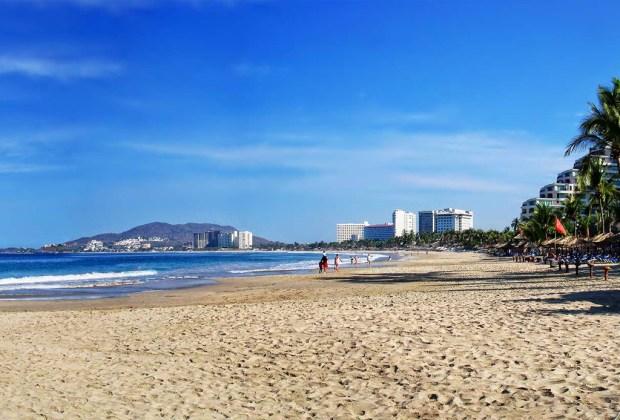 5 playas para escaparte en roadtrip desde la CDMX - ixtapa-guerrero-1024x694