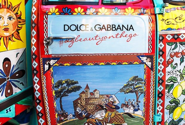 El make up de Dolce & Gabbana recorre las calles de Milán - dolce-gabbana-rickshaw-5-1024x694