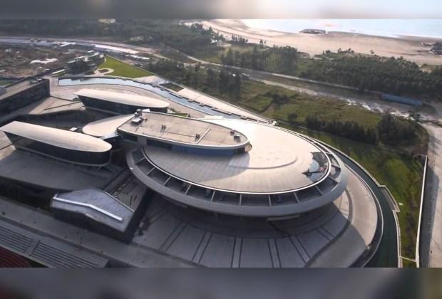 La Starship Enterprise de Star Trek existe... y es un edificio - star-treck-foto-1024x694