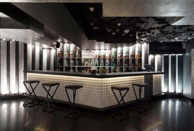 Lugares para disfrutar una buena noche de jazz en la CDMX - Jules-Basement-1024x694