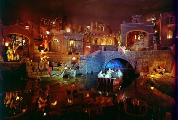 8 leyendas urbanas de los parques de Disney - mitos-de-disney-5-1024x694