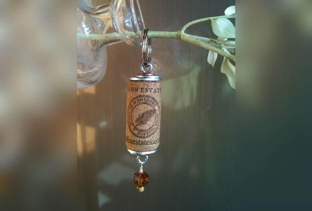 10 ideas de decoración utilizando corchos de vino - llavero-de-corcho-1024x694