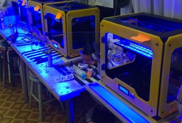 Conoce la primera colección de ropa TOTALMENTE impresa en 3D - Ropa-impresa-en-3D-por-estudiante-6-1024x694