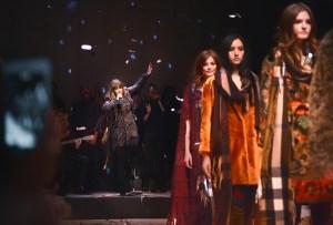 Entra al universo musical de Burberry