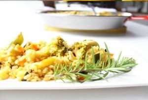 Prepara una deliciosa paella de verduras con esta receta