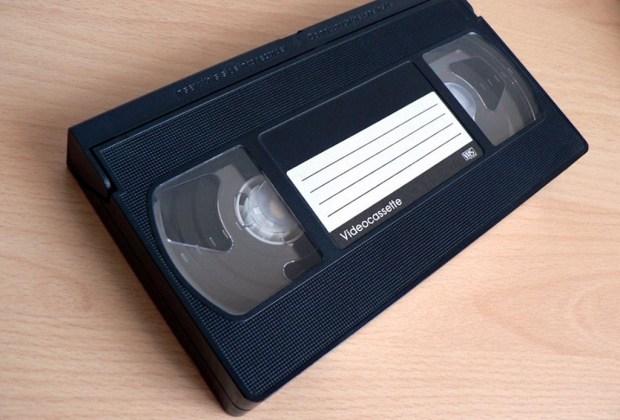 10 gadgets de los 90's que fueron reemplazados por la tecnología - vhs-1024x694