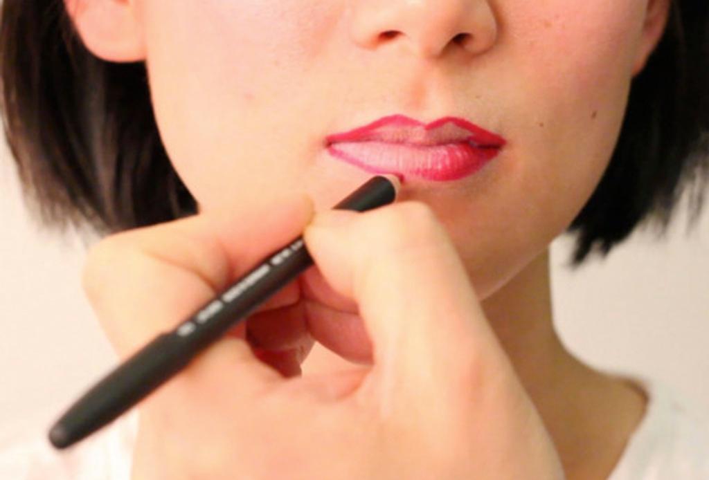 9 errores que debes evitar al pintarte los labios - errores-al-usar-labial-lipstick-2