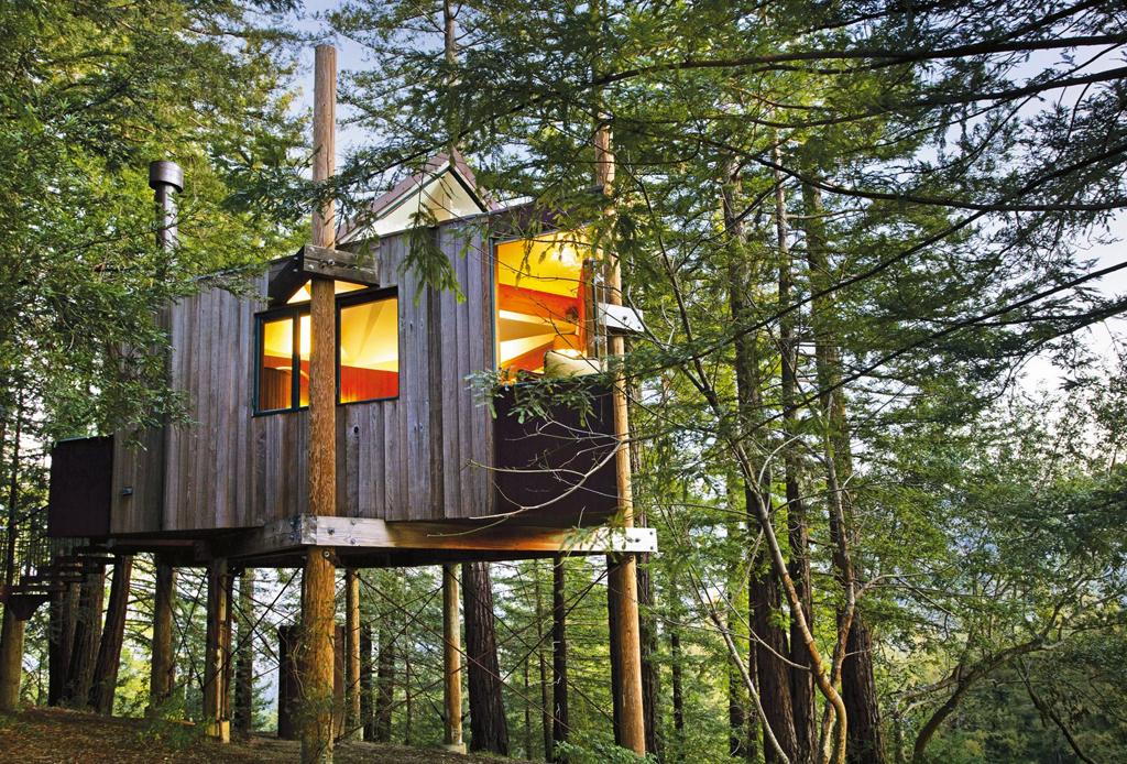 7 opciones de hospedaje para los amantes del ecoturismo - post-ranch-inn-california-casa-del-arbol