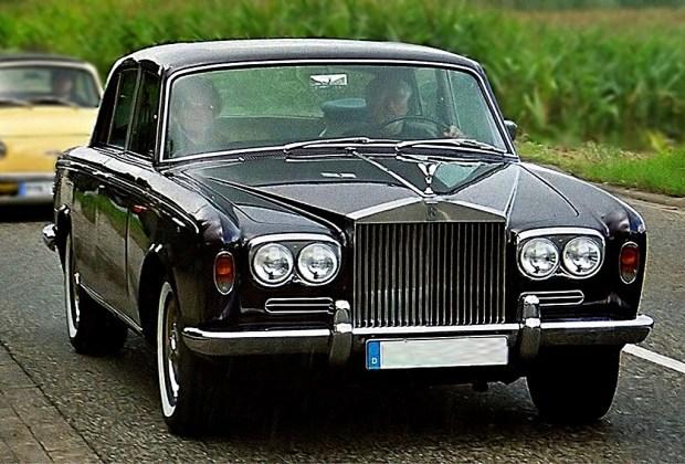 ¿Fanático de los autos? No te pierdas esta subasta de modelos clásicos - rolls-royce-1024x694