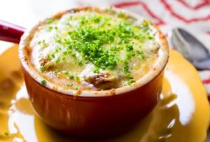 7 exquisitas sopas de cebolla en la CDMX para quitarse el frío