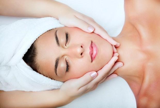 5 diferentes tipos de masajes que te harán sentir como nuevo - 5-masajes-facial-1024x694