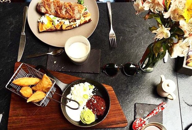 Los restaurantes más cool para desayunar en la Ciudad de México - desayuno5-1024x694