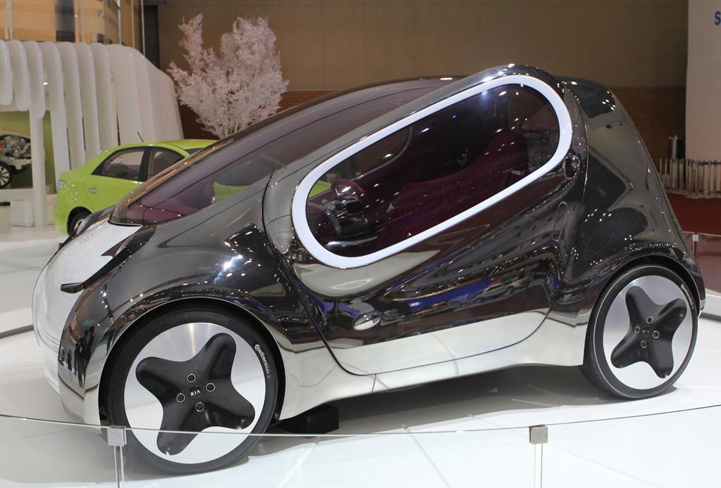 Los 5 autos futuristas que las marcas de lujo han diseñado - autos-futuristas-2