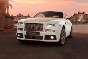 Lanzan un Rolls Royce bañado en oro puro