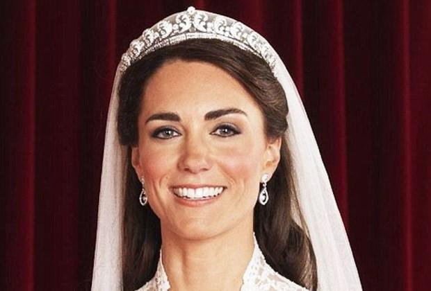 Los accesorios más exquisitos de la realeza - royal8-1024x694