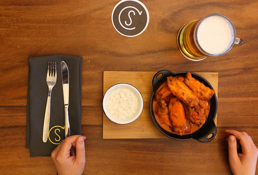 8 restaurantes en donde te fascinará ver el Super Bowl - connors