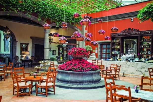 7 restaurantes en la CDMX para celebrar en familia - hacienda-de-los-morales-1024x684