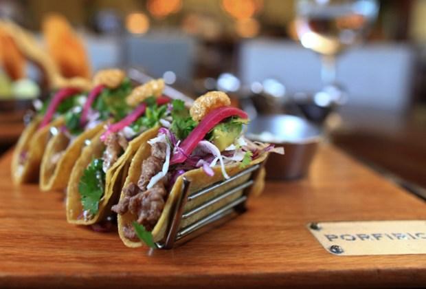8 restaurantes que tienes que visitar cuando viajes a Cancún - 11-porfirios-1024x694