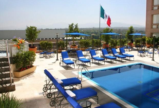 6 terrazas con alberca que debes visitar en la Ciudad de México - 3-marriot-1024x694