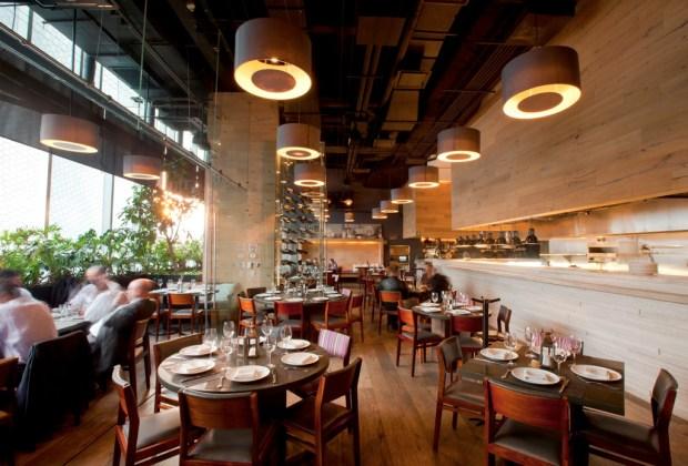 10 restaurantes donde celebrar a mamá - terraza-carolo-1024x694