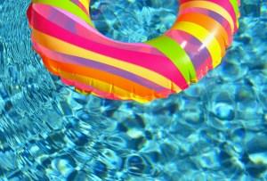Una playlist imperdible para disfrutar de una pool party