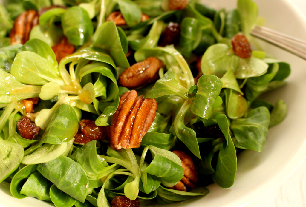 6 toppings como alternativa a los crotones  para tu ensalada - toppings-ensaladas-3