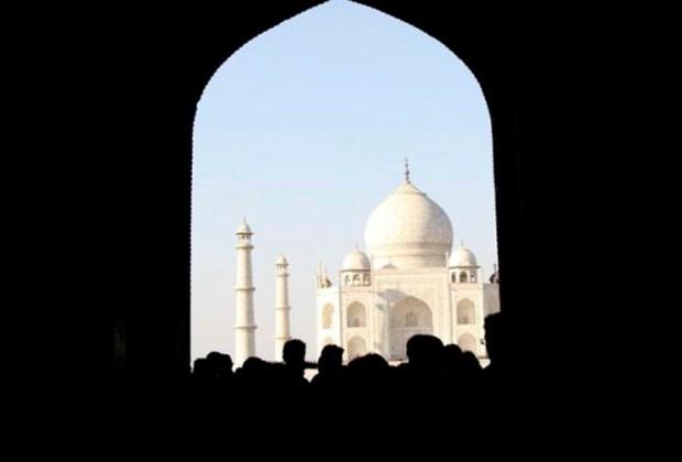 10 datos del Taj Mahal que probablemente no conocías - turistas-1024x694