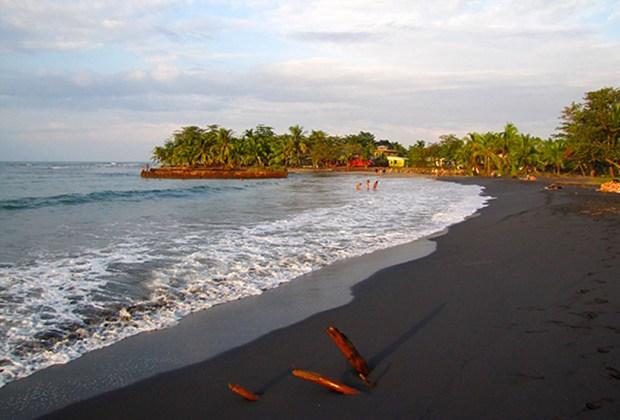 Las playas más exóticas e increíbles del mundo - playas1-1024x694